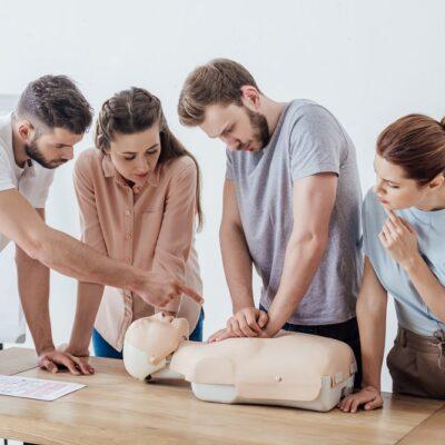 program kursu pierwszej pomocy 400x400